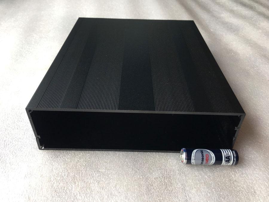 กล่องอลูมิเนียมสีดำขนาด 50X178X220 mm.