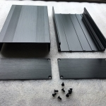 กล่องอลูมิเนียมสีดำ ขนาด 68X145X250mm